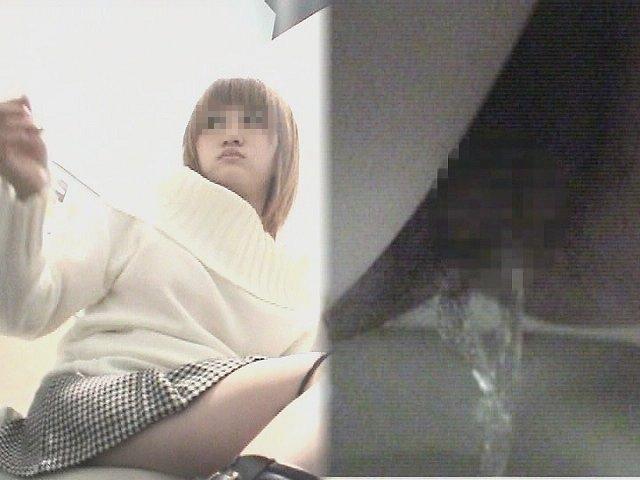 4カメ盗撮!狙われた某クラブ女子トイレ⑤