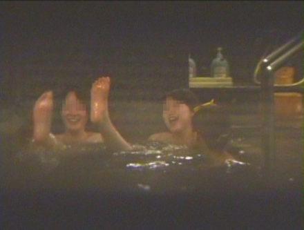 サークル合宿御用達!女風呂盗撮 8