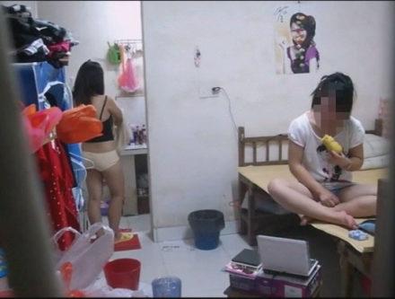 大絶叫!中国女子寮をガチで盗撮