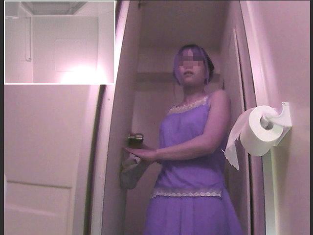 郊外アウトレットの従業員トイレ ⑨