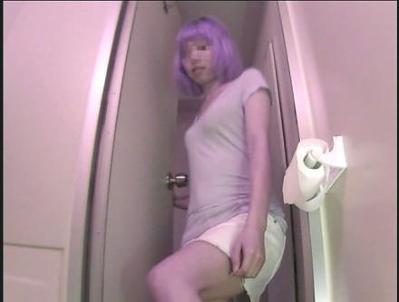 郊外アウトレットの従業員トイレ ⑥