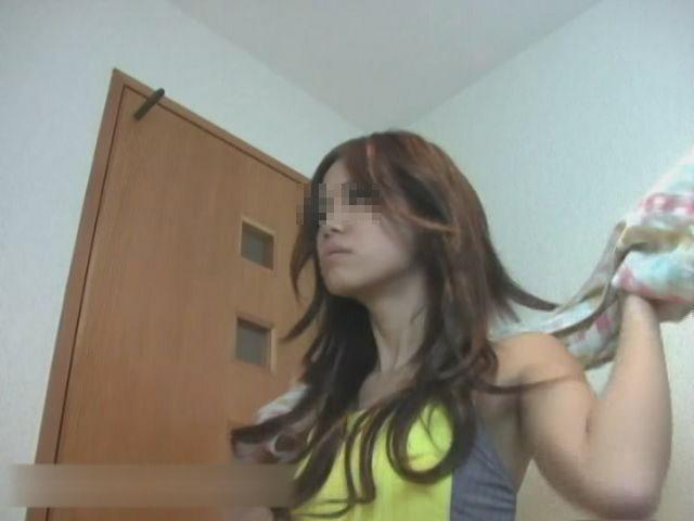 某スポーツジムに通うモデル級美女のトイレ盗撮②