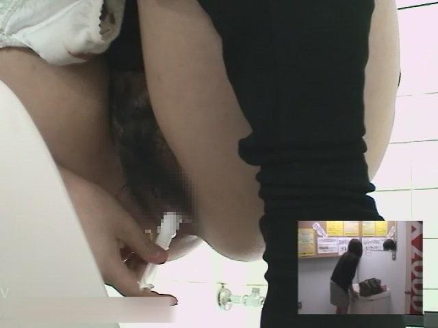 3カメ盗撮!ゲーセン女子トイレのうんこ盗撮 6