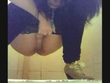 パイパン率高っ!ウクライナ美女のトイレ盗撮 1