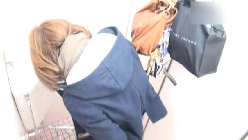 某所駅前ファッションビルの女子トイレ 8