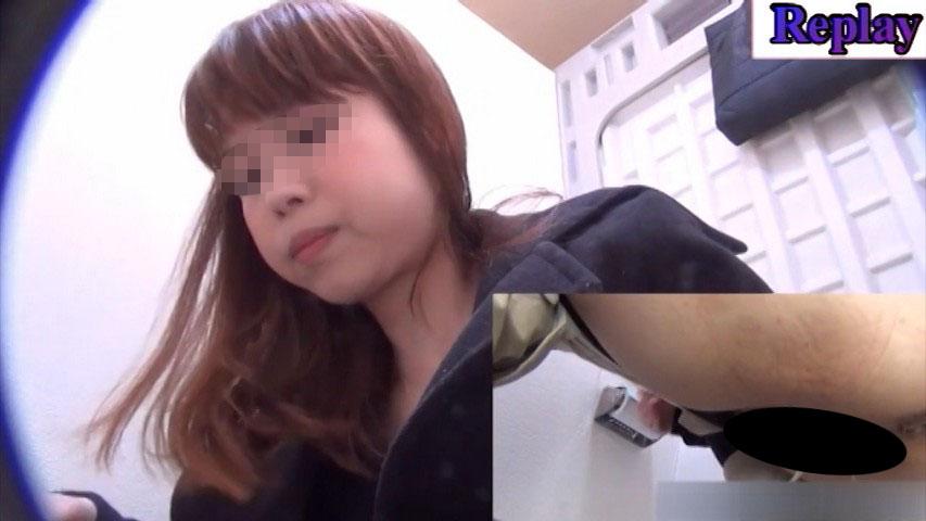 オシッコ我慢ギャルの駆け込みトイレ②