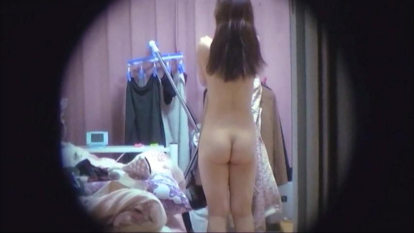 一人暮らしの女の子は裸族が多い?玄関ドア覗き穴③